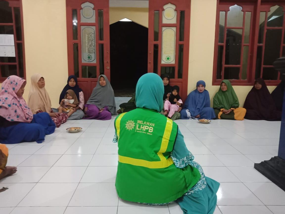 'Aisyiyah Jepara mengaktifkan kembali 'Aisyiyah Karimunjawa, sekaligus mengadakan edukasi mengenai penanaman sayur dengan hidroponik serta penanggulangan bencana. Bertempat di Masjid At-Taqwa Dukuh Alang-Alang, pada Jum'at (11/9)